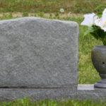Nov nagrobni spomenik